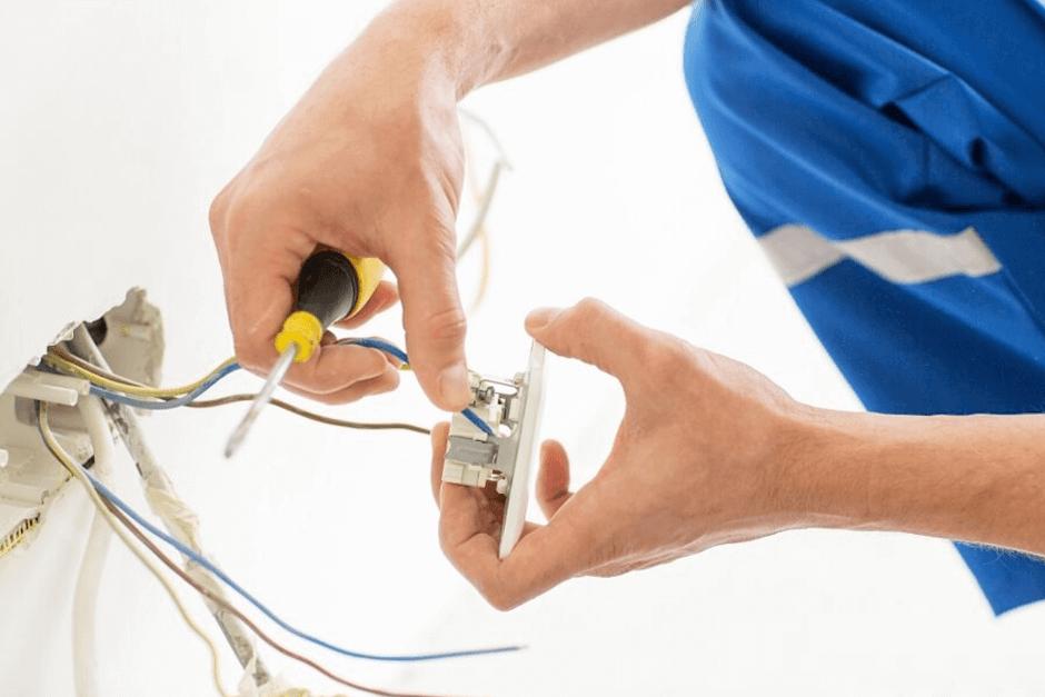 cuidado-com-tomadas-eletricas